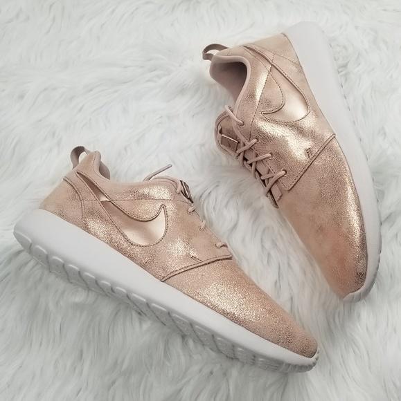dd6bd11ca31fb0 Nike Roshe One Premium Womens Shoe s